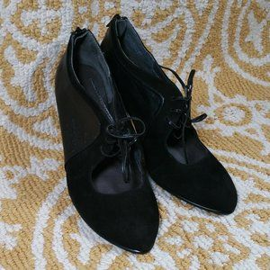 Aerosole Leather Tie Up Ankle Boot Heels Size 9.5